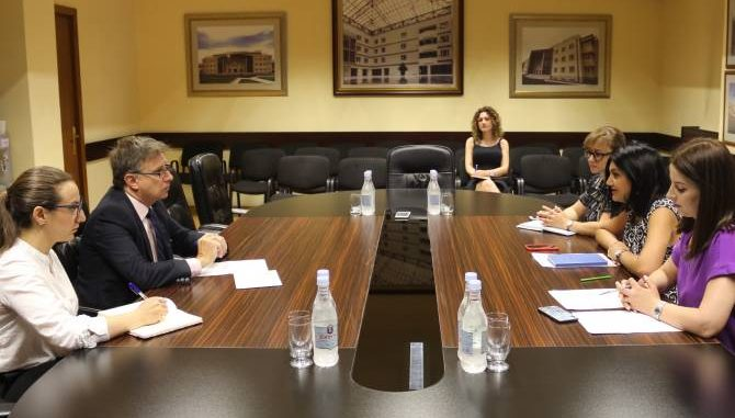 Armenia, Uruguay, cooperation
